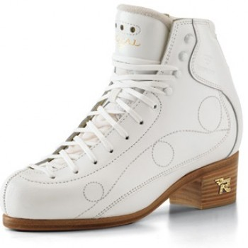 Фигурные ботинки